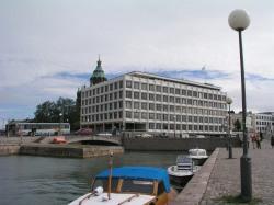 Helsinkiä perjantaiaamuna Kauppatorilta Enson pääkonttorille. Kuva: Samuli Kinnari.