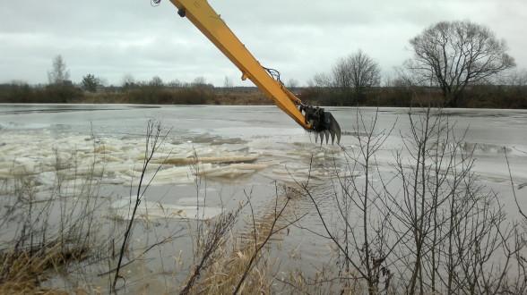 Tulvan torjuntaa Huittisissa 11.2.2016
