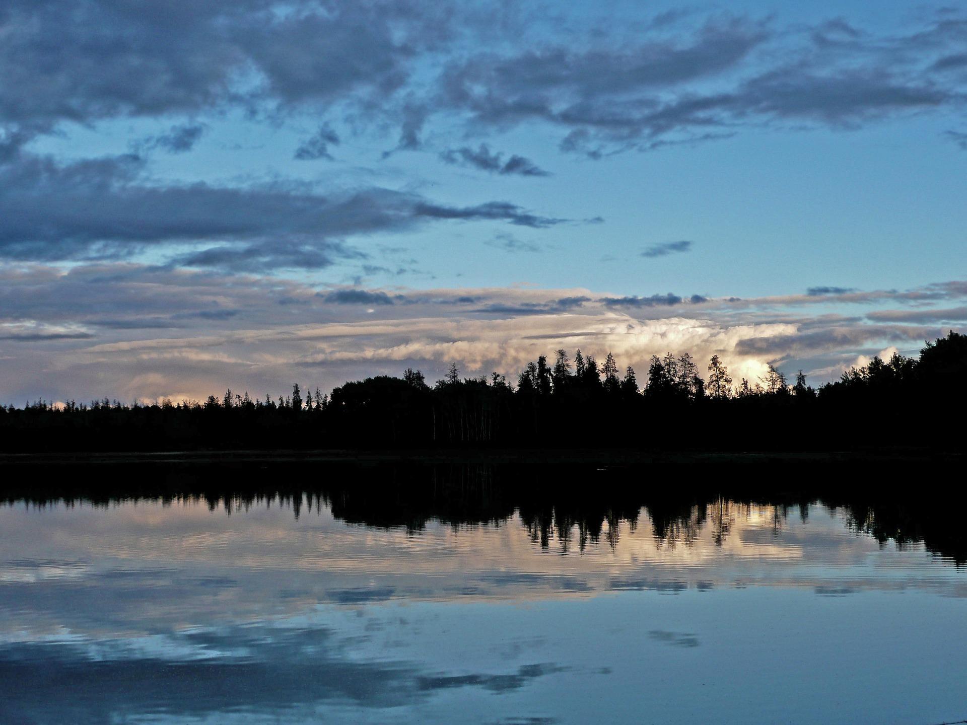 Järvi, auringonlasku