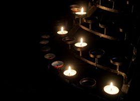 Kynttilä, kynttelikkö
