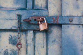 Navetta, ovi, lukko